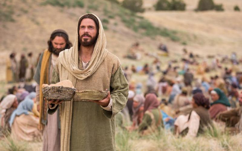 Gesù Cristo e il miracolo della moltiplicazione dei pani