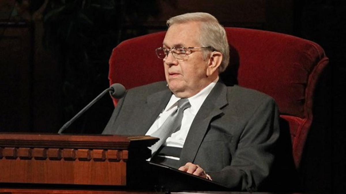 Pogrebna slovesnost za predsednika Boyda K. Packerja