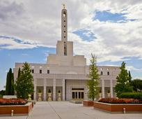 Predsednik Monson je oznanil štiri nove templje