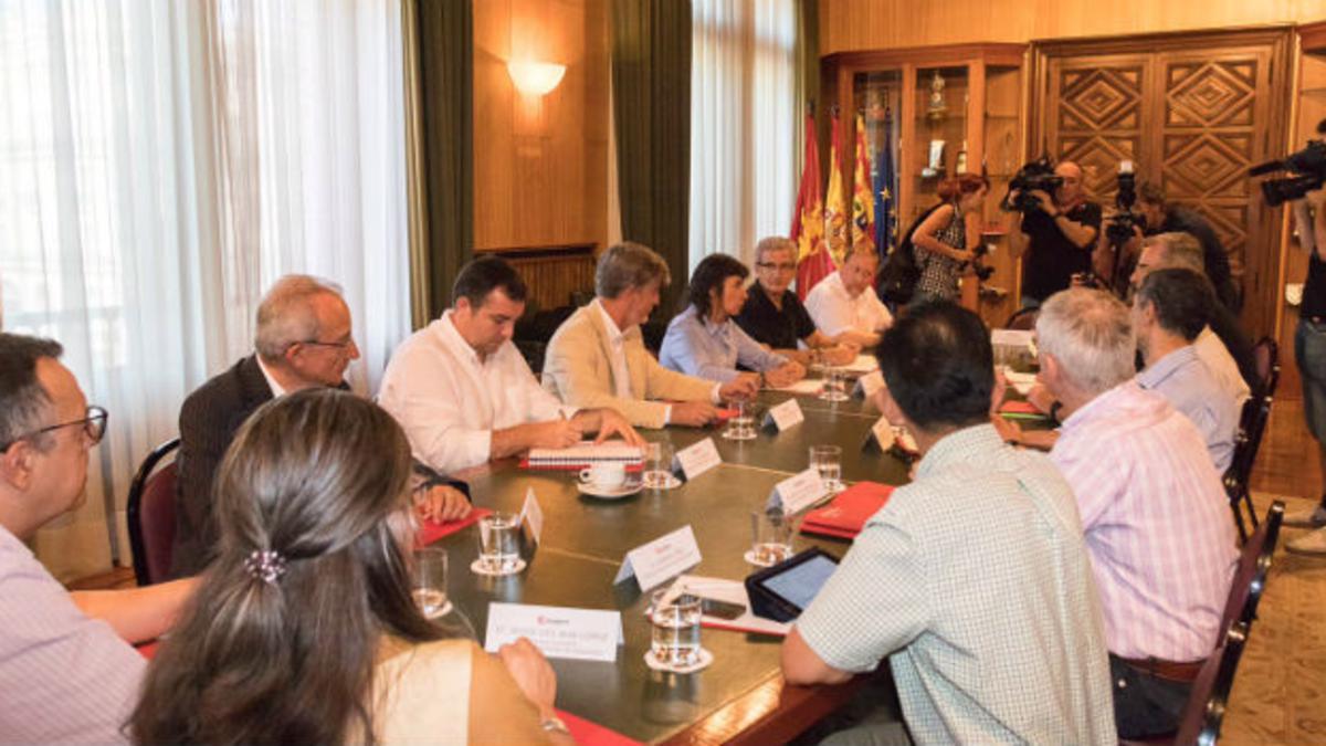 Otro momento de la mesa de diálogo interreligioso en Zaragoza el pasado 11 de julio.