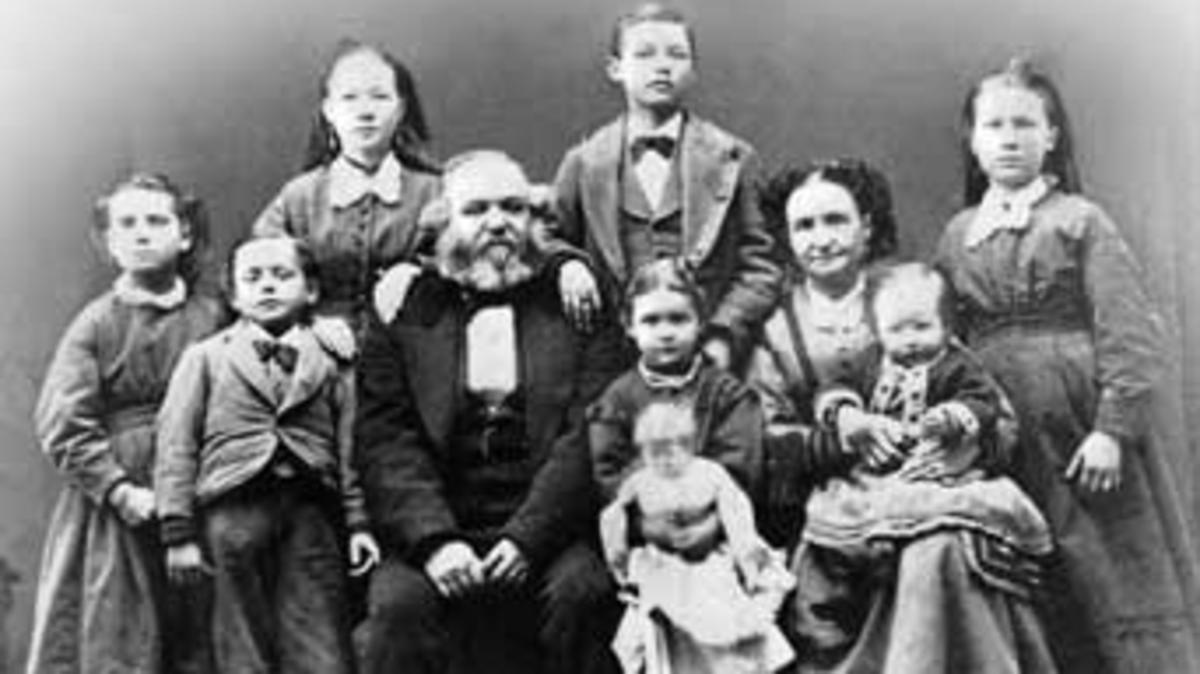 Una familia bajo la ley del matrimonio plural