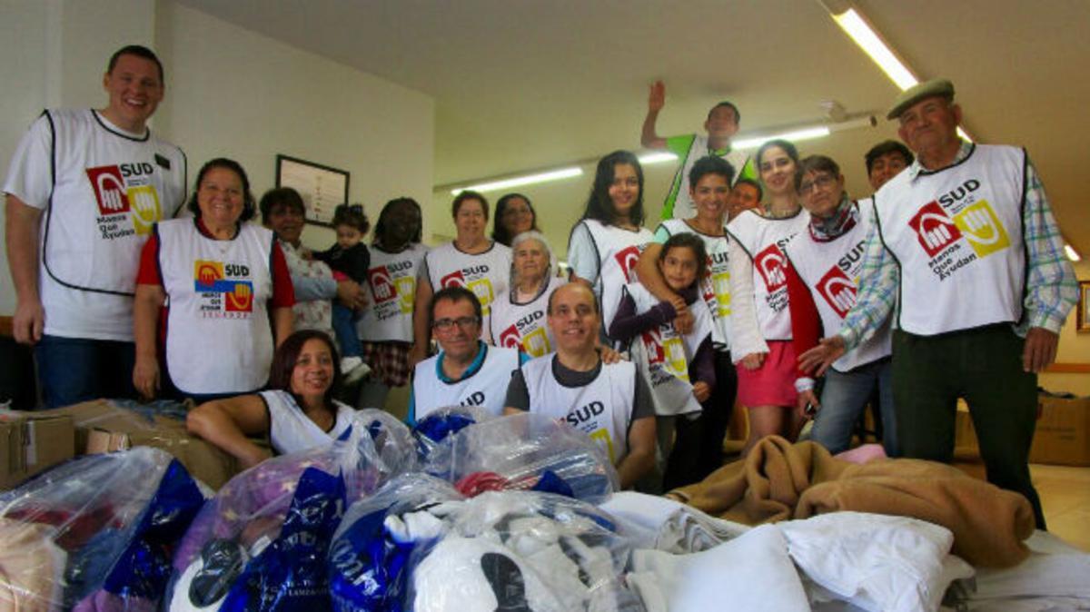 Los miembros de las Islas Canarias recolectan mantas y kits de higiene para los refugiados