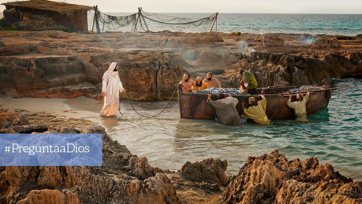 Jesús, a la orilla del mar, llama a unos pescadores para que lo sigan