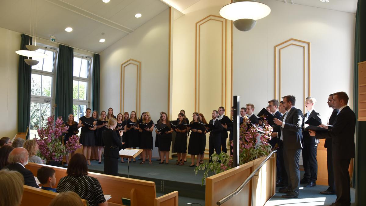 Der Chor begeistert die Besucher