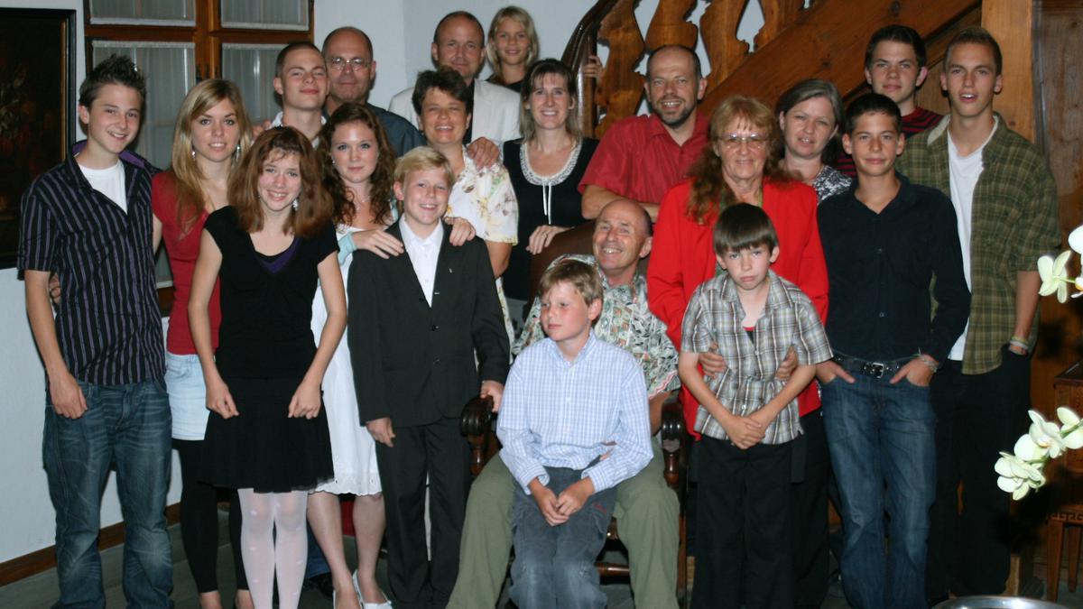 Bruder Diezi an seinem 70. Geburtstag mit seiner Familie