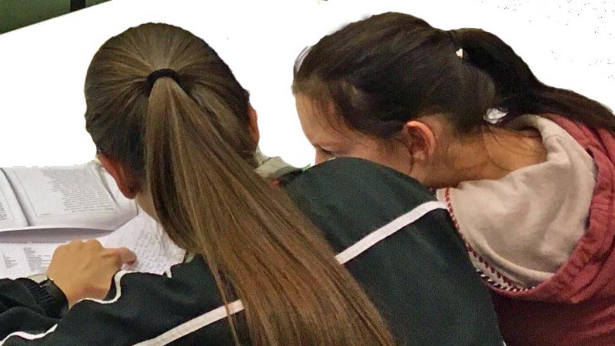 Auch junge Schwestern begeistern sich für die Genealogie