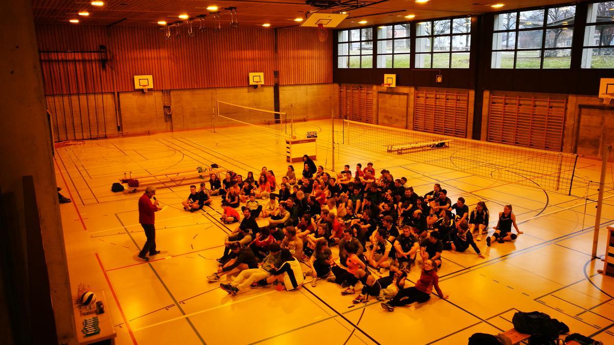 Die Mannschaften des Volleyballturniers