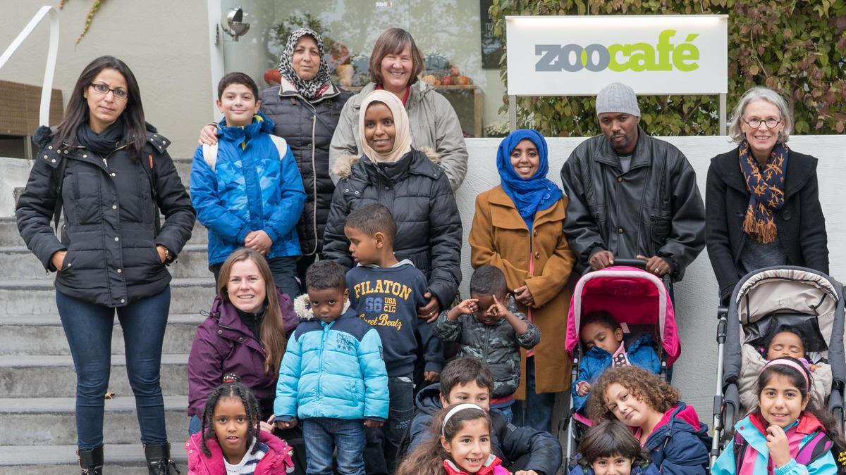 Gelungener Zoobesuch mit Flüchtlingen