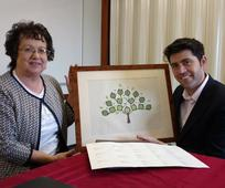 From L-R Jean Dean and Scott Mann MP with the 4 generation family history plan