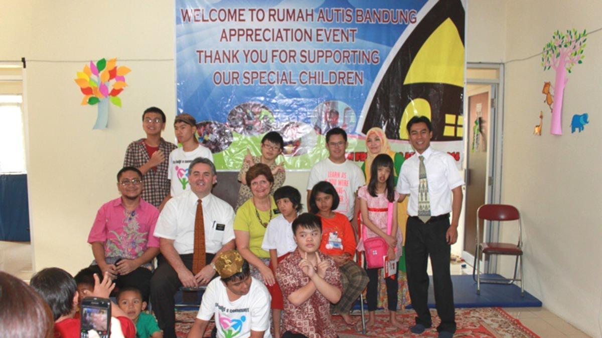 Bantuan Gereja untuk Rumah Autis Bandung