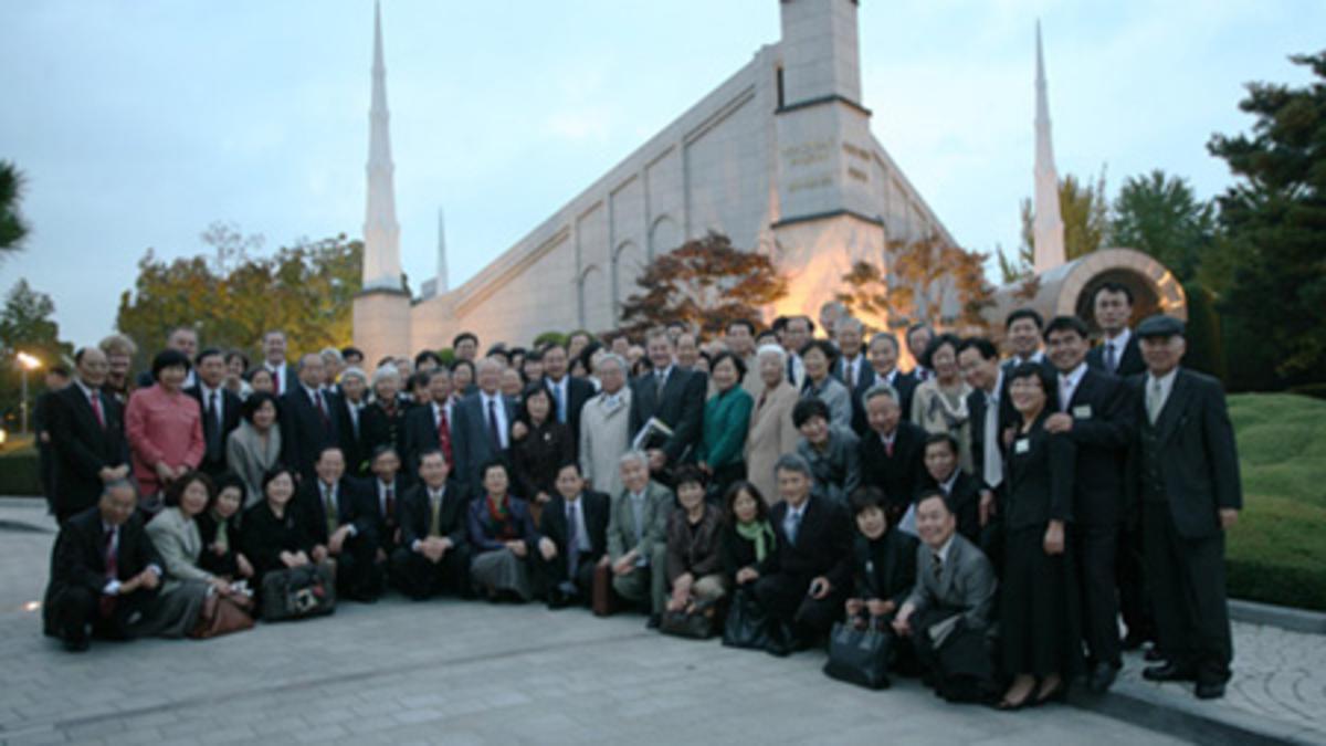 2009년 서울 성전에서 스티븐슨 장로