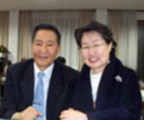 부부 선교사이신 김만주 장로와 권영숙 자매