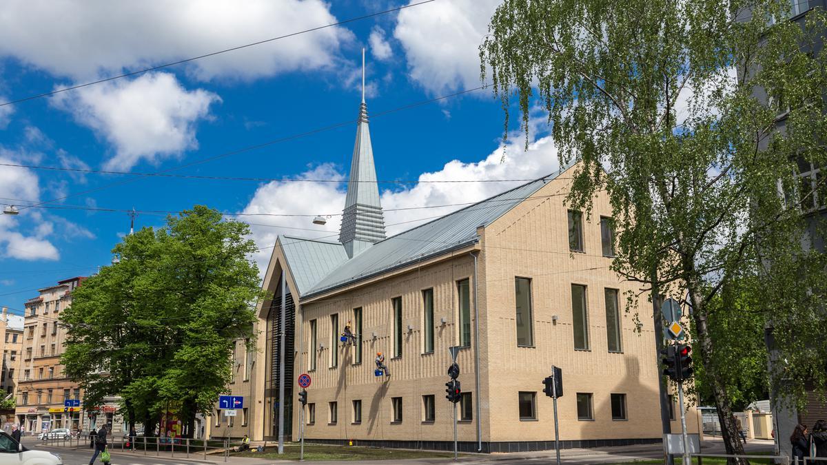 Noslēgusies jaunā Baznīcas dievnama celtniecība Rīgā, Lāčplēša 71