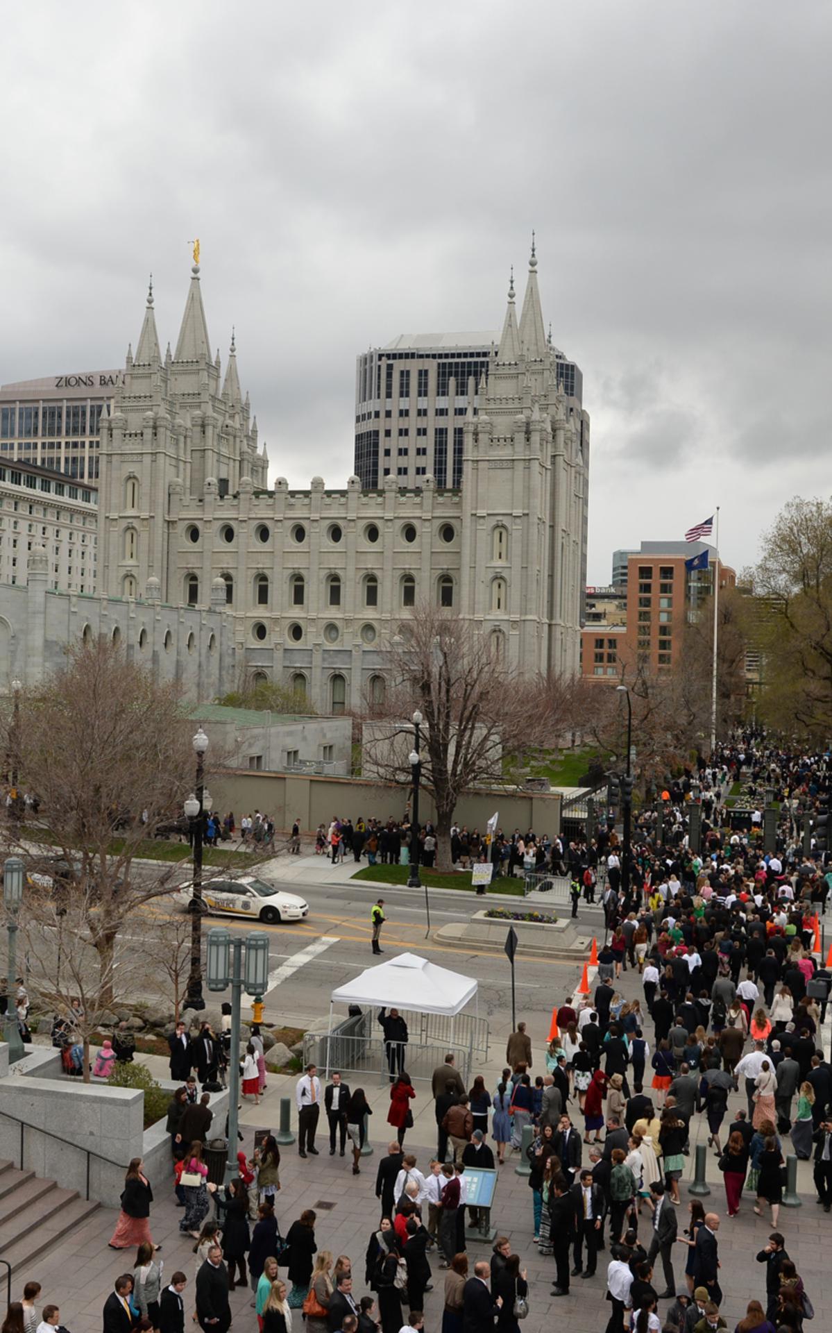 conference-crowd-temple-sat-am-april-2014.jpg