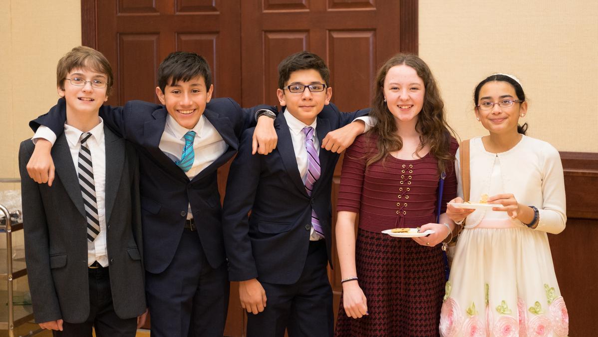Cambios en las edades de avance y ordenación de los jóvenes en la Iglesia