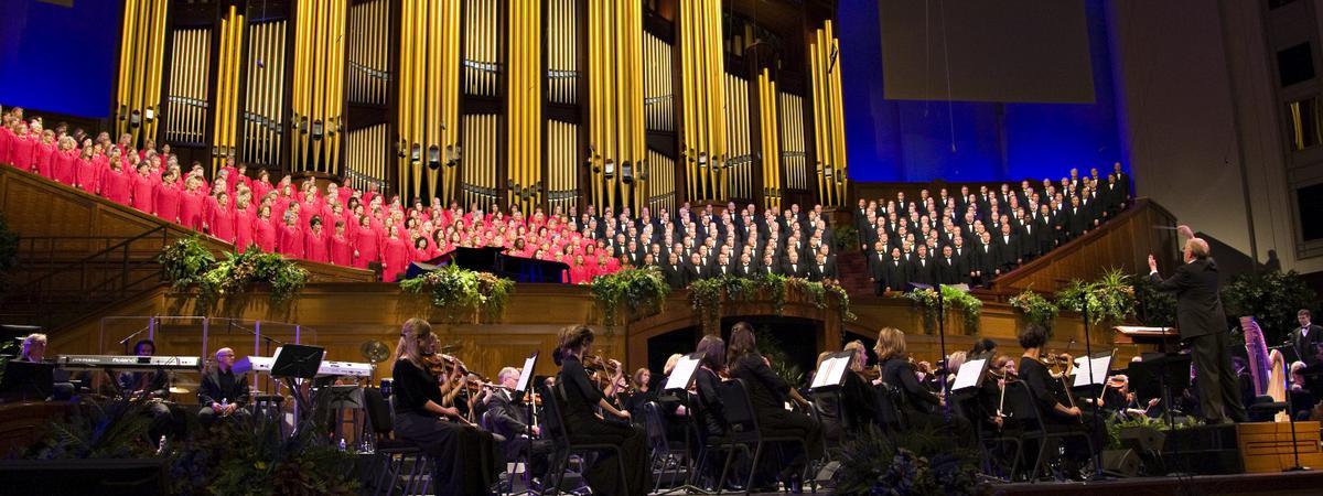 Coro del Tabernáculo Mormón y la Orquesta de la Manzana del Templo en el Concierto del Día de los Pioneros