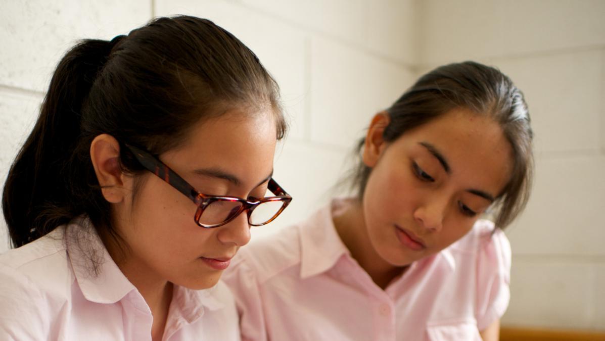 Jovencitas en su clase dominica