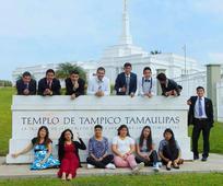 Jovenes del barrio Fresnos en el Templo de Tampico Tamaulipas