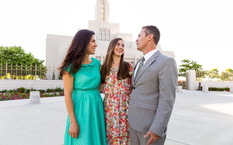 Familia en el templo