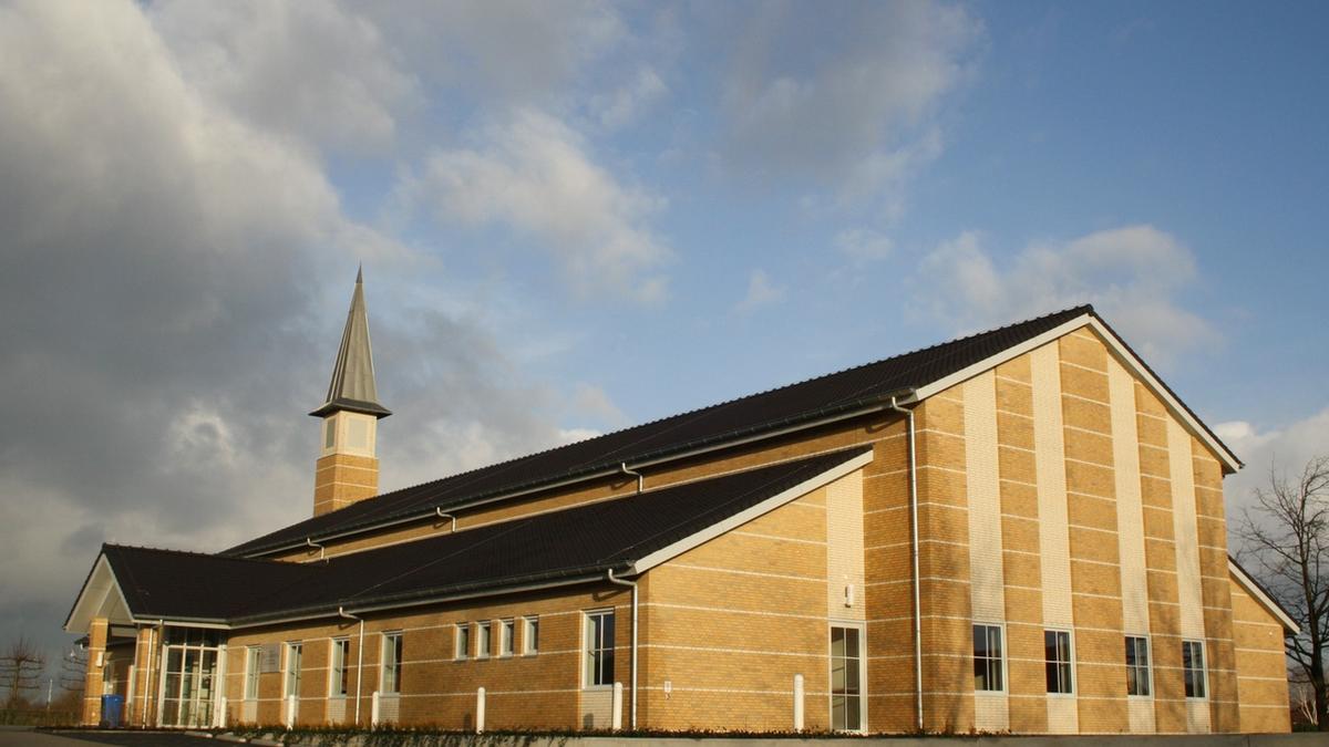 Kerkgebouw zijkant