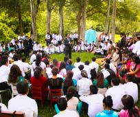 Compatiendo sentimientos.-Las actividades espirituales fortalecieron el testimonio de los jóvenes.
