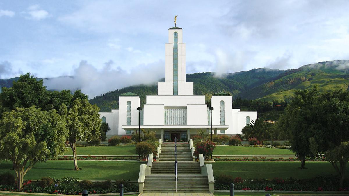 cochabamba_bolivia_temple