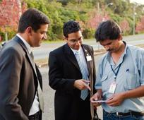 Los misioneros pasan su tiempo sirviendo a otros, enseñándoles sobre el evangelio de Jesucristo.