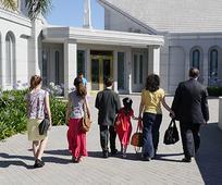Familia al templo