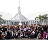 Jovenes_estaca_Cordoba_Sierras_en_templo.jpg