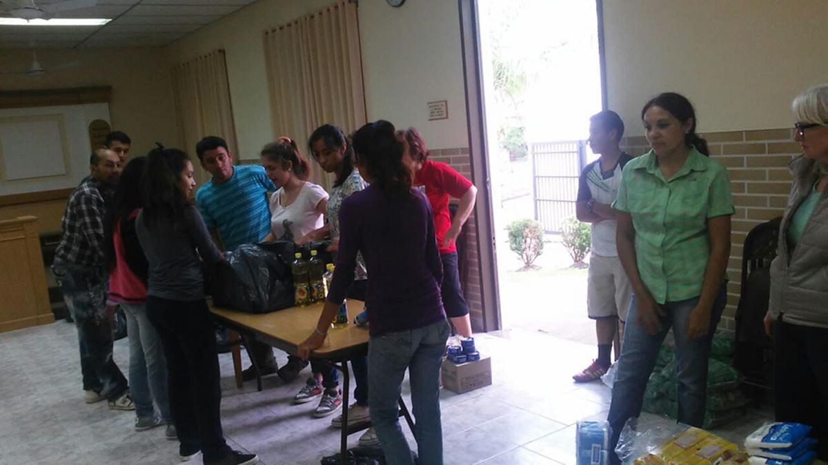 Rápido auxilio a los miembros damnificados por las inundaciones en La Paz