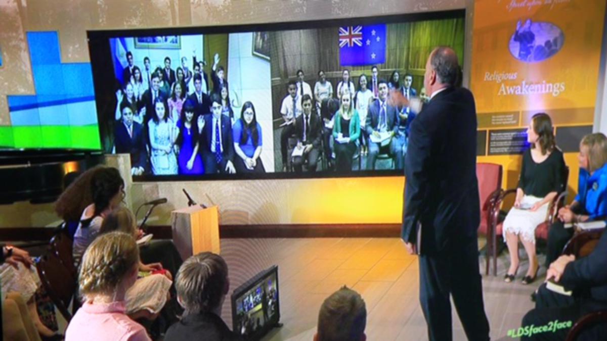 Jóvenes de Argentina participan en vivo del evento Cara a Cara