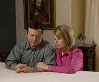 praying-couple-431789-wallpaper.jpg