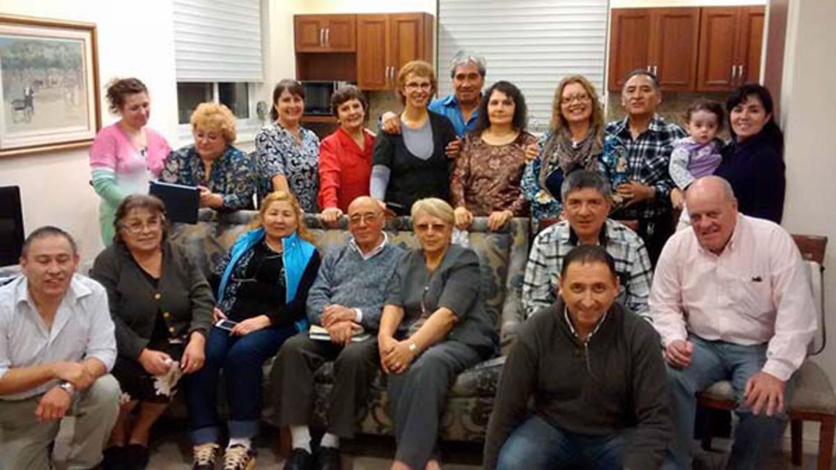 Grupo de misioneros del templo