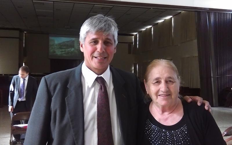 Lucia Pavon y maestro orientador