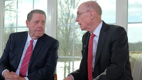 El presidente Eyring y el élder Holland
